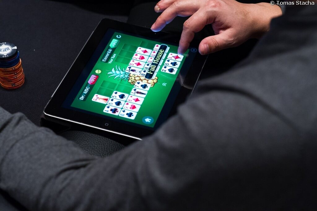 iPad Video Poker Side Games Introduced to Players